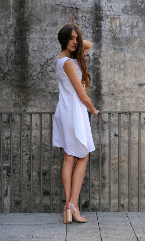 Delicate Pin-Point Flower Design Dress With Soft Side-4